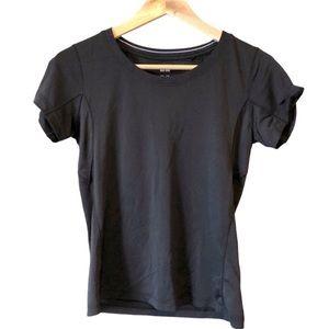 UNIQLO   Athleisure workout t-shirt